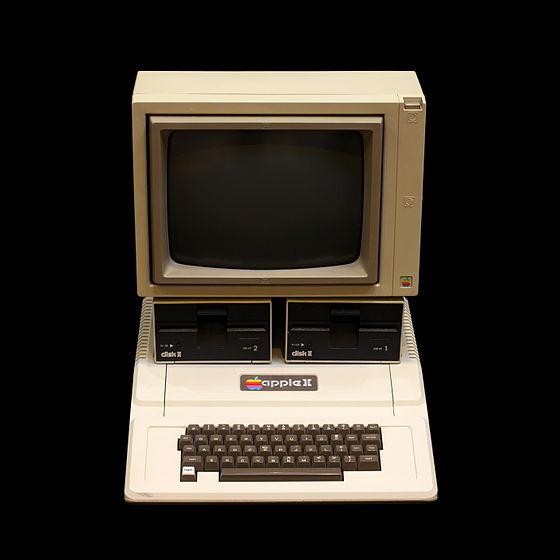 560px-Apple_II_IMG_4214