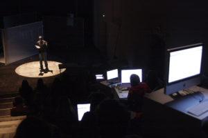 spectateur 2.0 théâtre et facebook